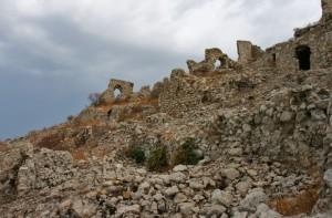 Castello e borgo su Monte Suso