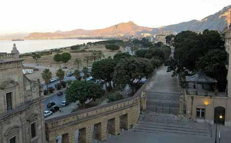Passeggiata  Mura Cattive Palermo