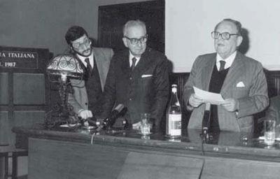 Roma 1988 Istituto Enciclopedia Italiana Treccani il Presidente Giureppe Alessi e Rosario Assunto presentano la Personale di Guadagnuolo