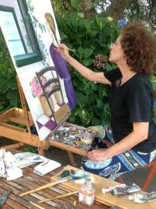 Rosalba Bentivoglio mentre dipinge