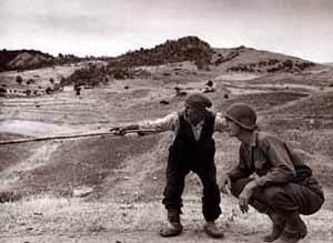 americani-in-sicilia-luglio-43-robert-capa