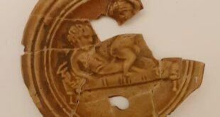 Scoperta una preziosa lucerna del I secolo D.C. a Vallelunga Pratameno, in provincia di Caltanissetta